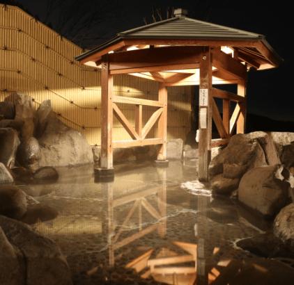 夜の露天風呂イメージ